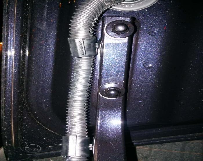 后备箱螺丝拆装过.